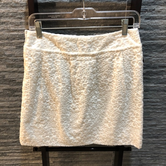 LOFT Dresses & Skirts - NWT Loft Eyelet Mini Skirt